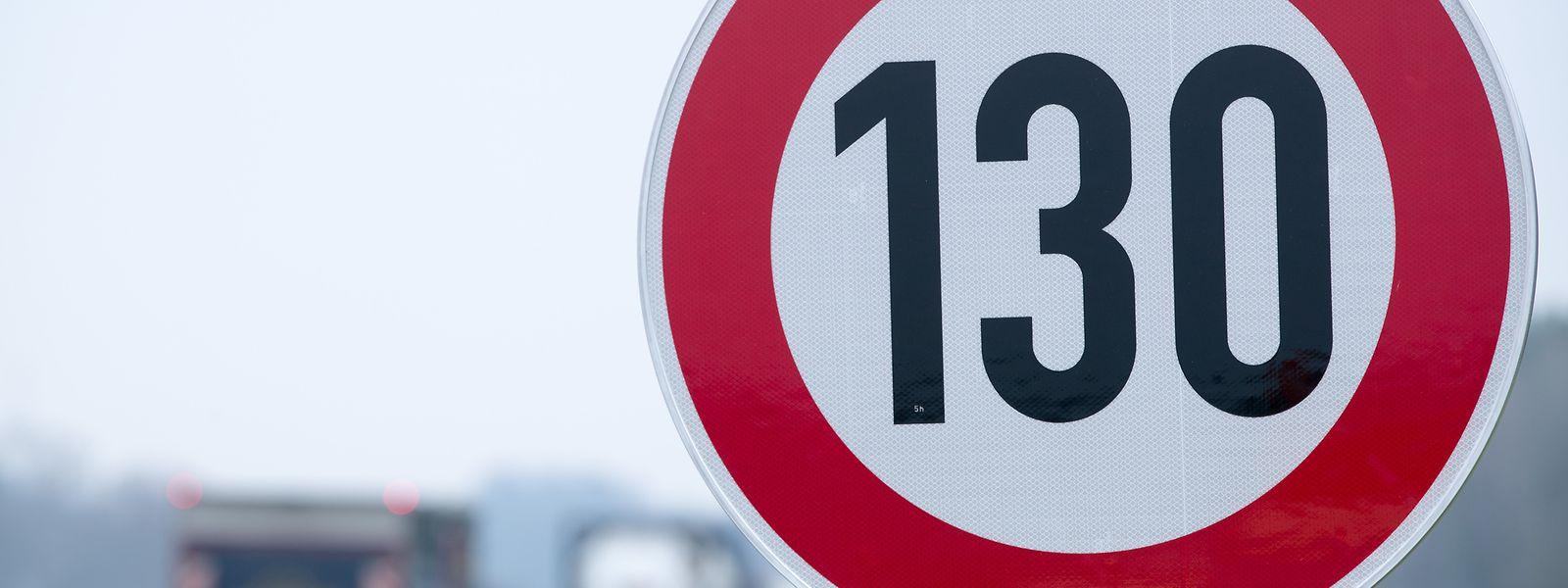 Die Zahl 130 auf Verkehrsschildern ist in Deutschland teilweise nicht gern gesehen.