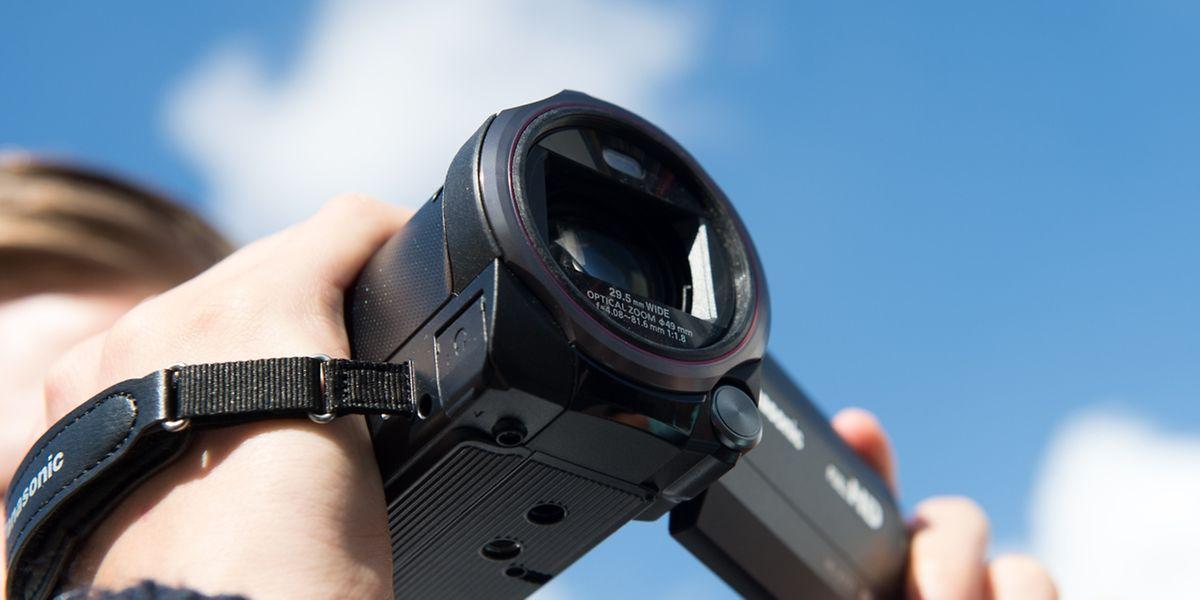 Full-HD-Auflösung ist mittlerweile der Standard bei neuen Camcordern. Teurere Geräte filmen bereits in der höheren 4K-Auflösung.