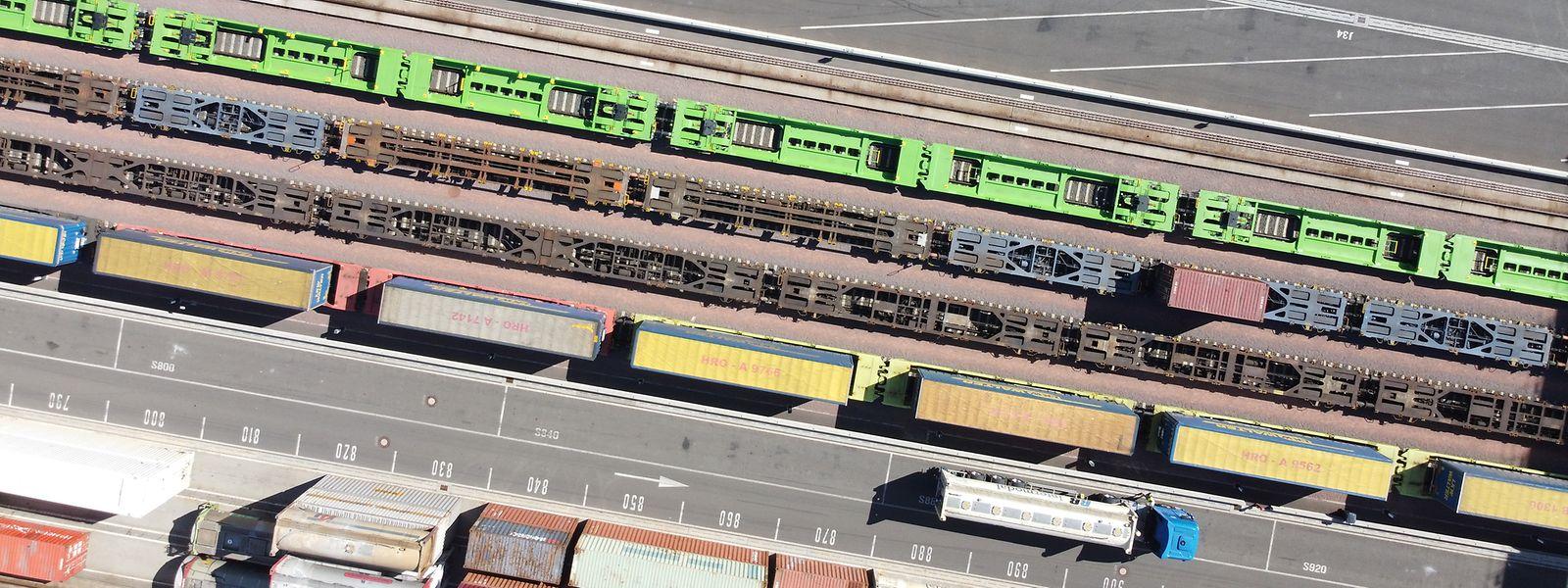 Les wagons verts ont déjà pris place sur le réseau luxembourgeois, sur le site intermodal de Bettembourg-Dudelange.