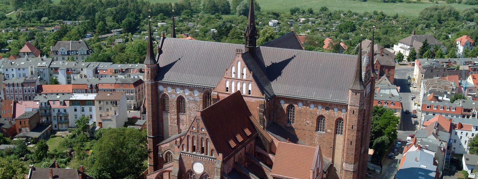 Heute erstrahlt Wismars St. Georgen wieder -  dank vieler Spender und bürgerlichem Engagement.