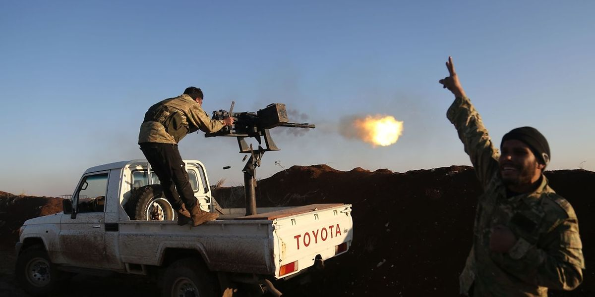 """Mitglieder der """"Free Syrian Army"""" beim Kampf gegen die YPG."""