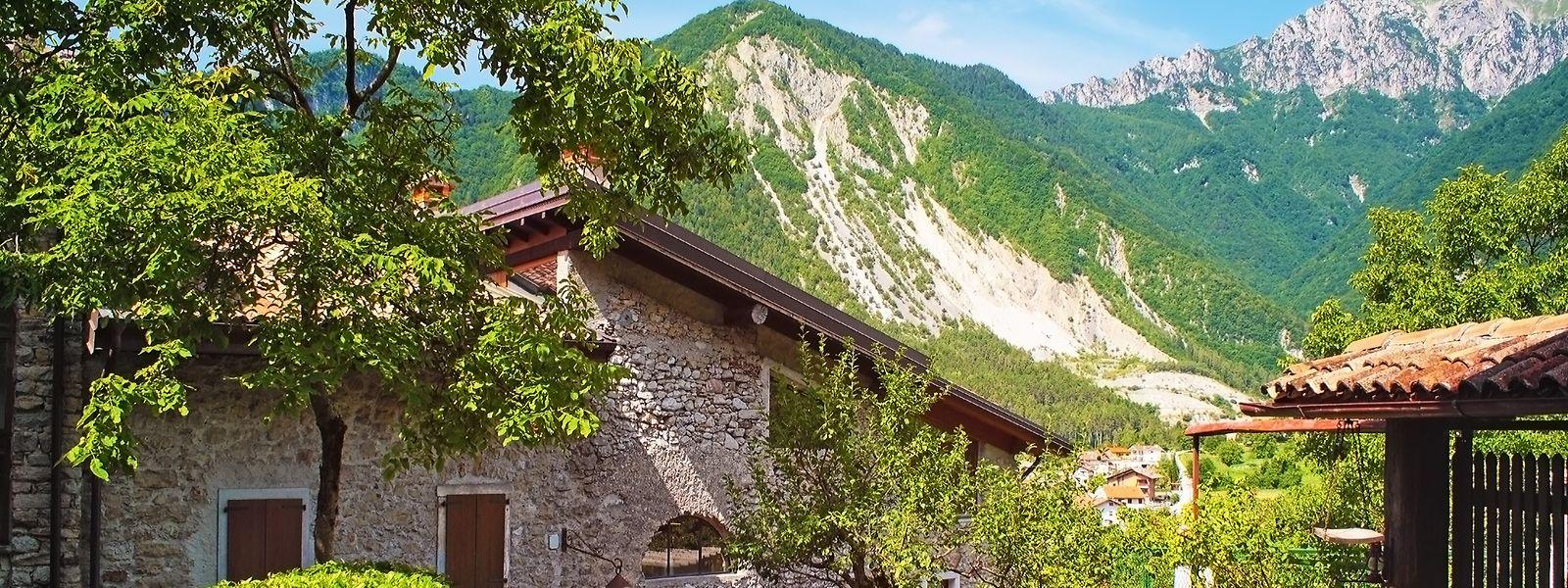 Das bis in die 1960er-Jahre verlassene Bergdorf Canale di Tenno gehört nun zu den schönsten mittlealterlichen Dörfern Italiens.