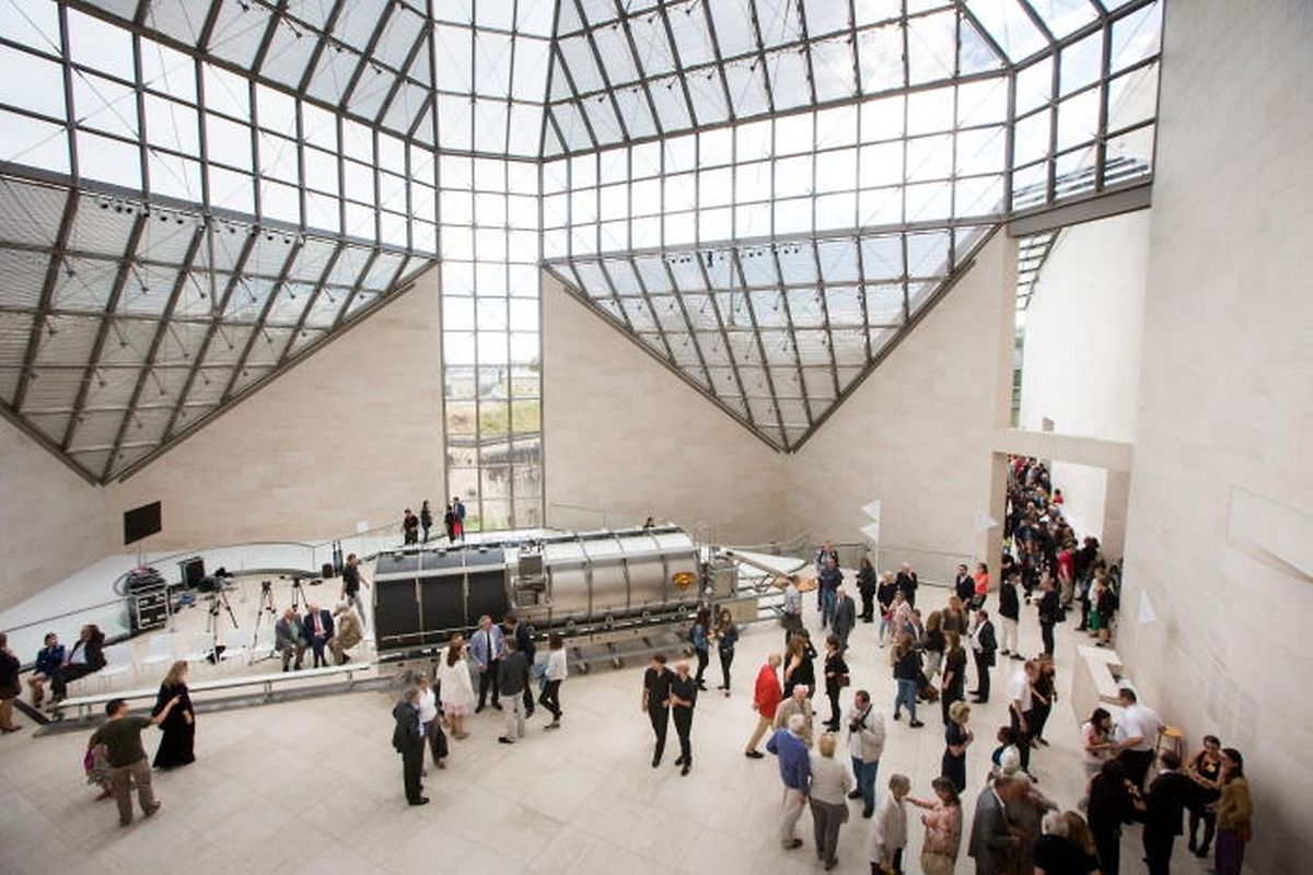 Wim Delvoye, présent dans la collection à l'invitation de Marie-Claude Beaud, revient au Mudam pour les 10 ans du musée.