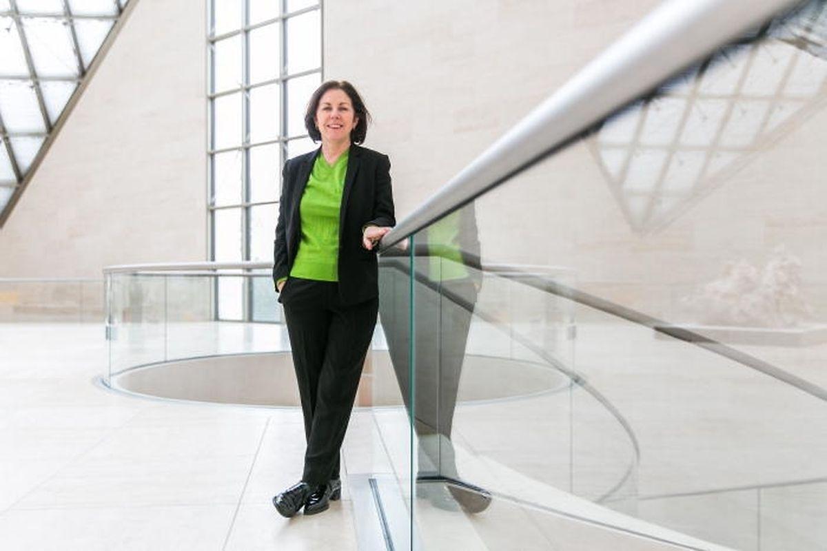 La directrice Suzanne Cotter se dit consciente de la situation difficile du musée.