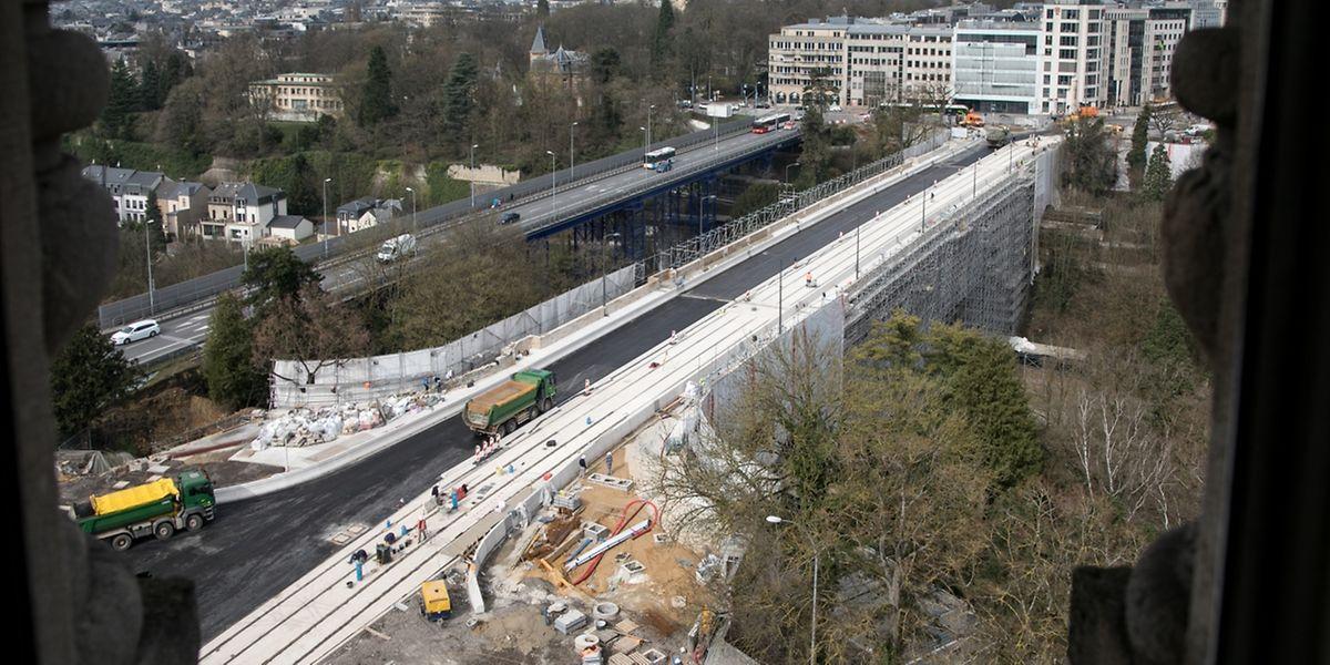 Der Verband ist ab - der Patient genesen. Nun ist der Pont Adolphe für die nächsten 100 Jahre gewappnet.