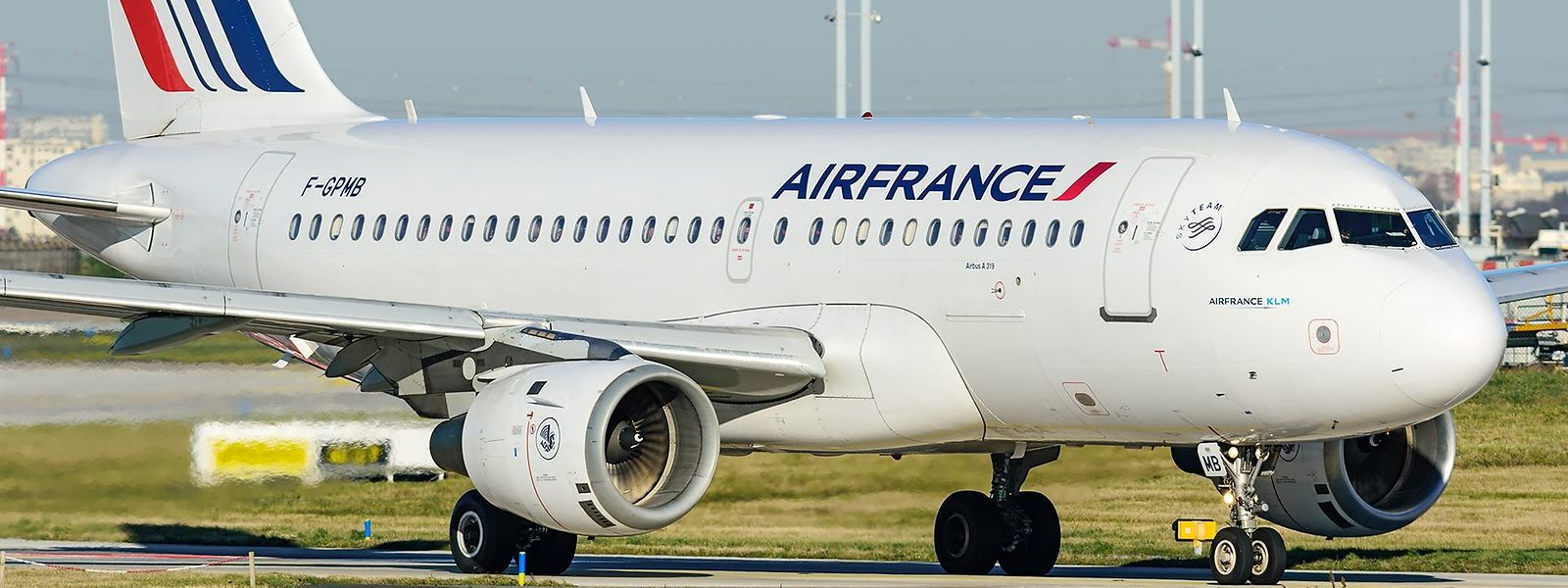 Warum der Airbus A319 der Air France in Luxemburg notlanden musste, ist derzeit noch nicht bekannt.