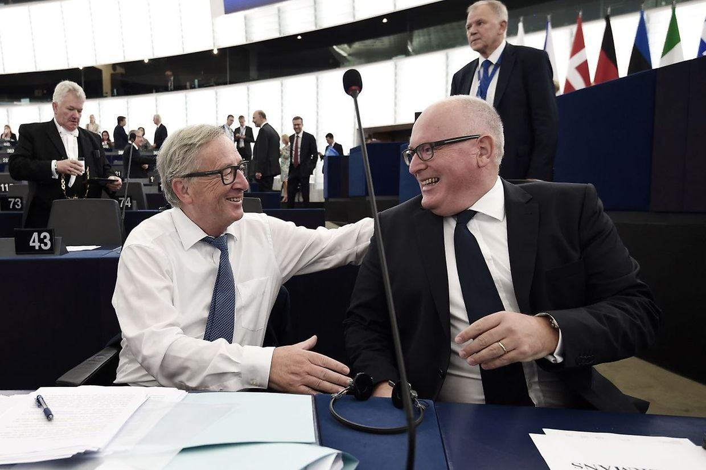 Jean-Claude Juncker avec le vice président de la commission européenne, Frans Timmermans.