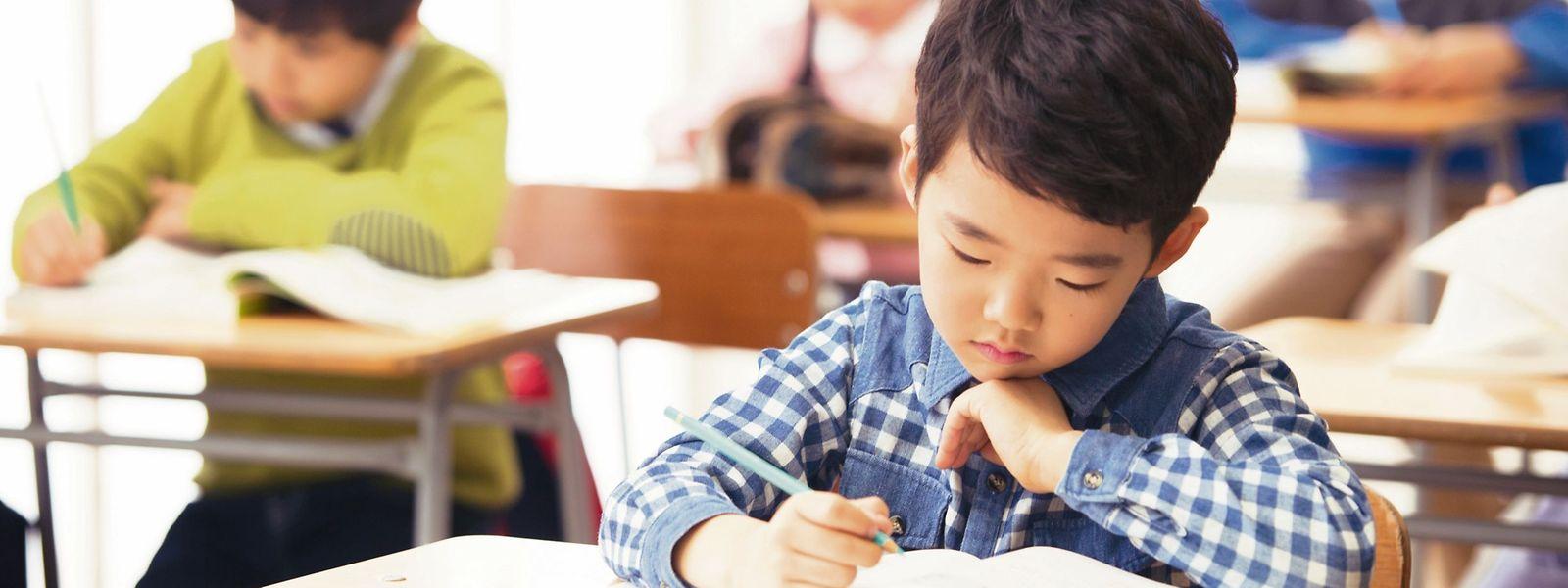 """Auch die jüngeren Schüler verbringen ihre Nachmittage in """"Hagwons"""", wie Nachhilfeinstitute genannt werden.."""