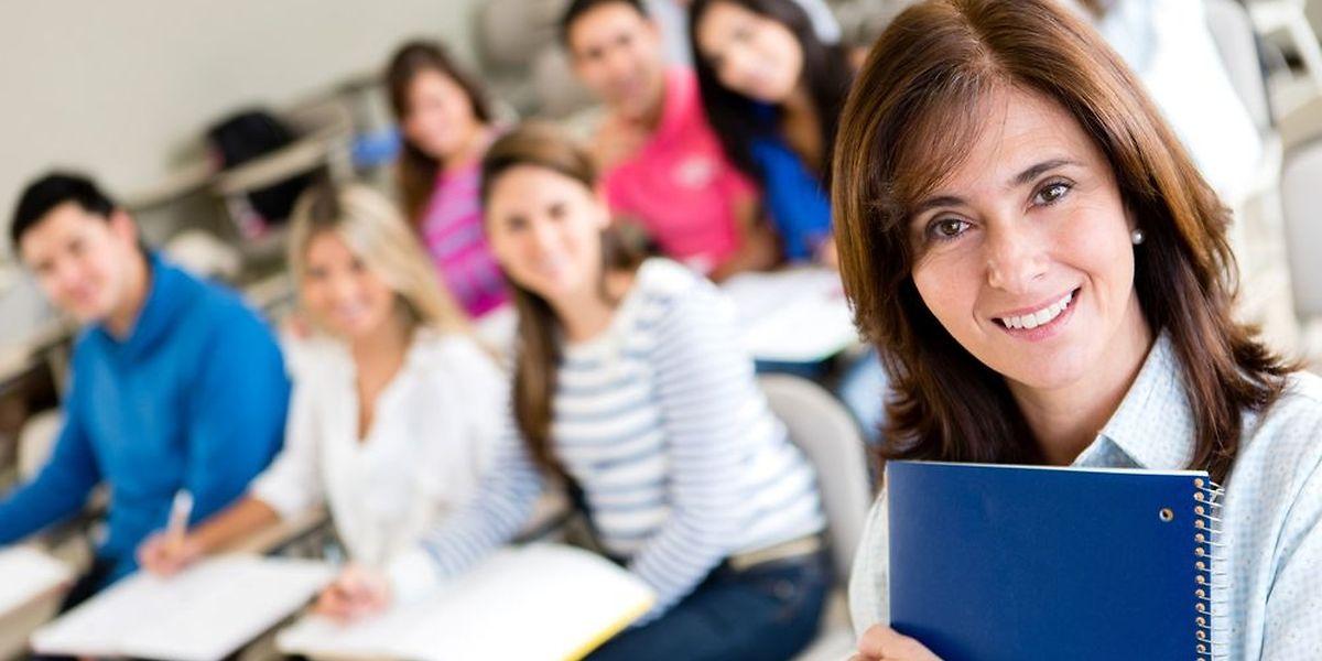 """Pour devenir professeur de """"Vie et société"""", il faudra dorénavant être diplômé à l'université en sciences humaines ou sociales."""