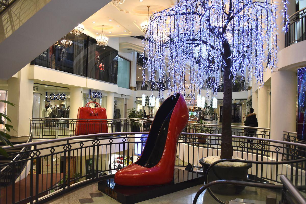Eine Shoppingmall, wie sie auch in anderen Städten existiert - nur eben unterirdisch.