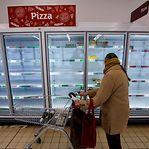 Covid-19. Vendas dos supermercados britânicos dispararam 20% em março
