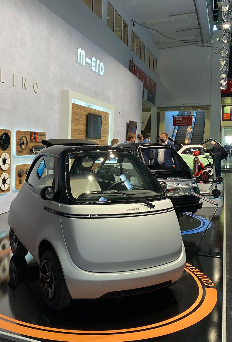 So etwas Ähnliches haben Sie schon mal gesehen? Stimmt, der Microlino gleicht einer BMW Isetta, er fährt aber rein elektrisch.