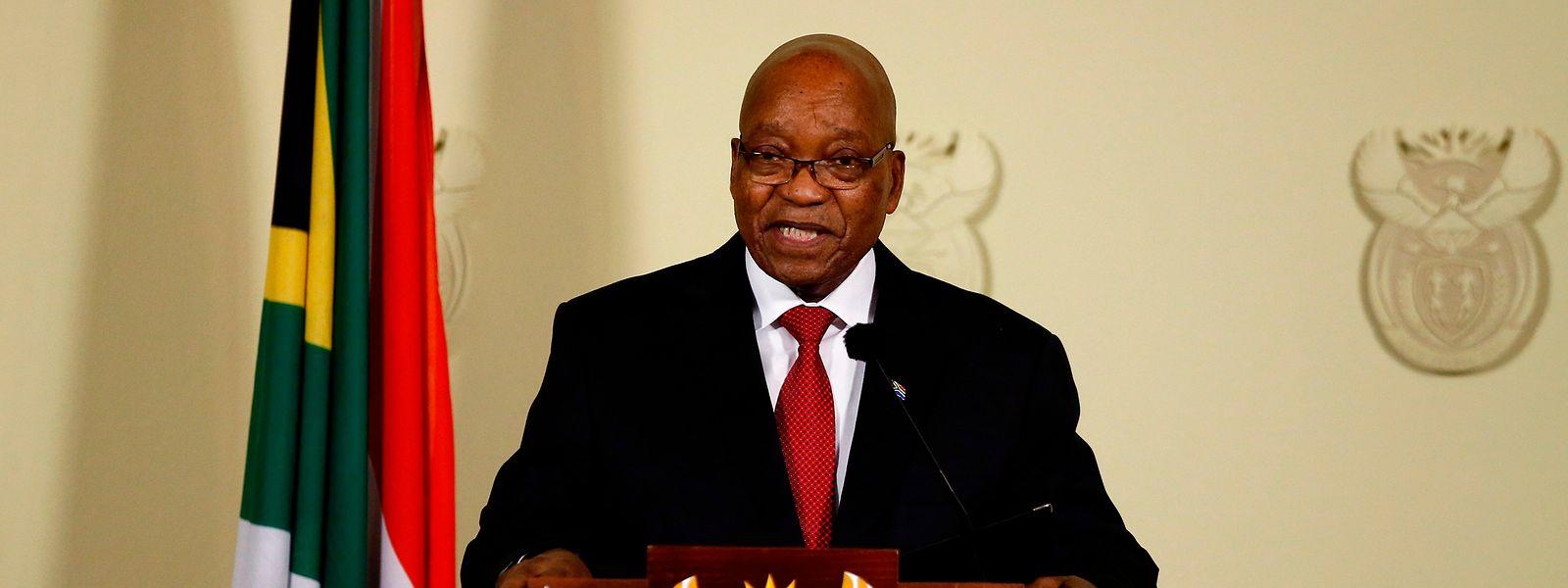 Jacob Zuma hat dem Druck der Regierungspartei nachgegeben.