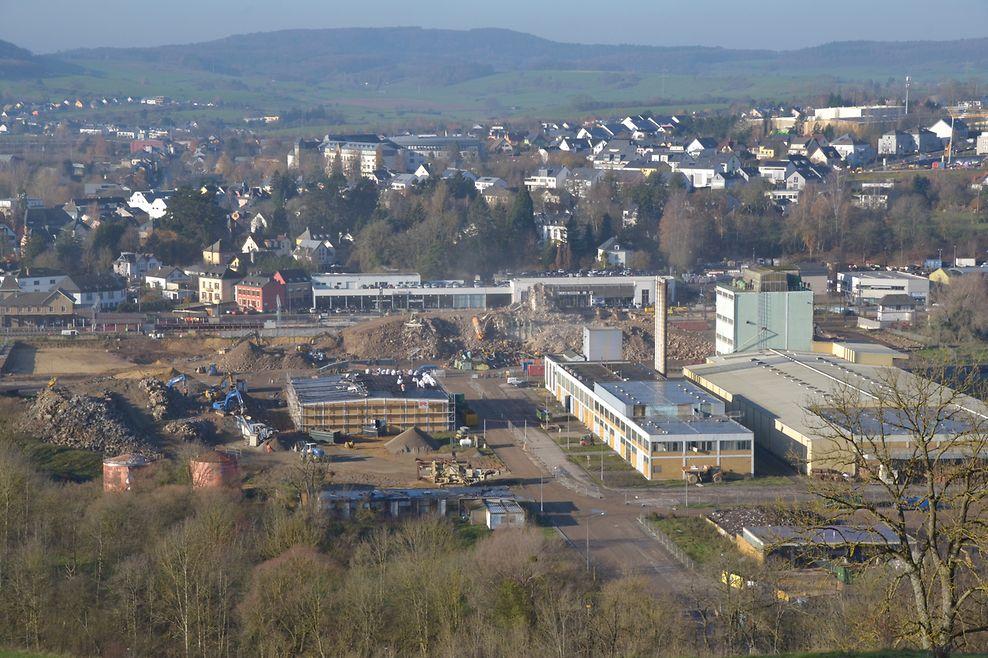 Im Februar dieses Jahres standen noch sämtliche bekannten Bauwerke auf dem Gelände des Agrocenters.
