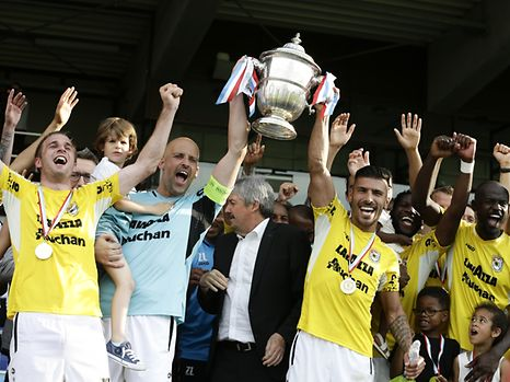 Jonathan Joubert - Dan Da Mota mit dem Pokal / F91 Düdelingen - Fola Esch  / Fussball  Pokalfinale 28.05.2017 / Foto: Fabrizio Munisso