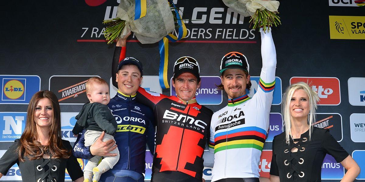 Jens Keukeleire (à gauche) et Peter Sagan entourent un Greg Van Avermaet en forme olympique ce dimanche.