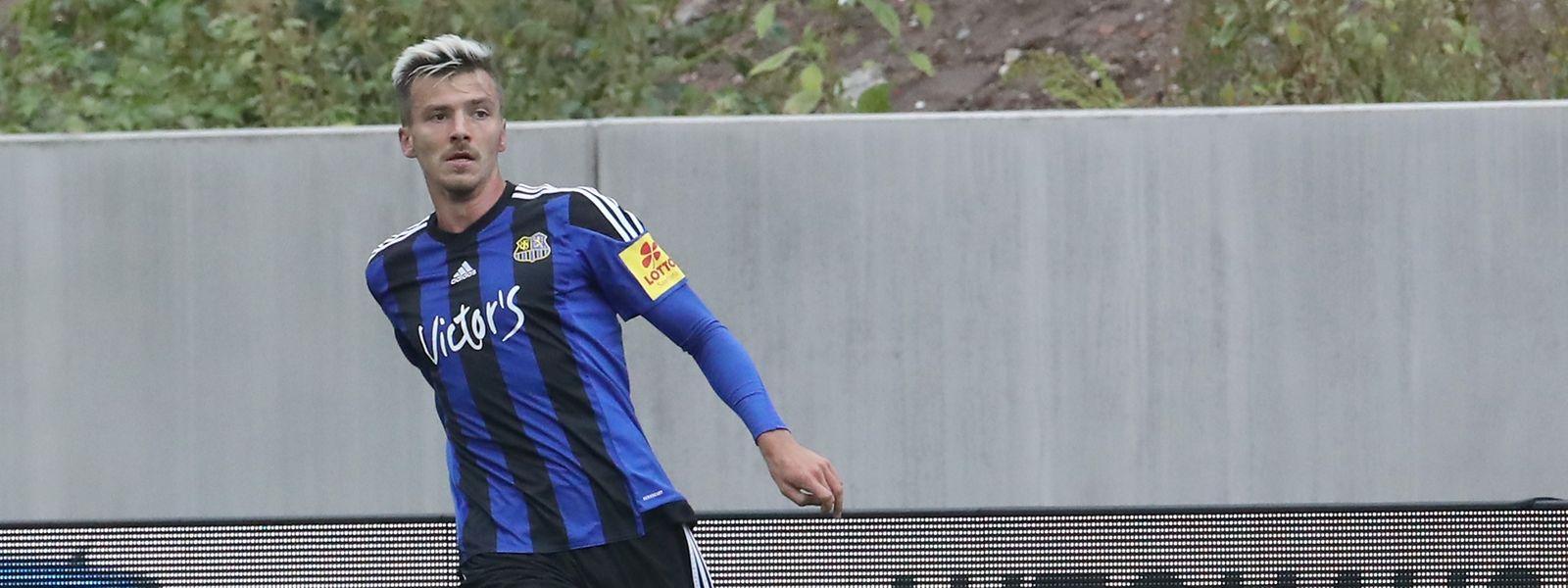 Maurice Deville wird in München in der 86.' eingewechselt.