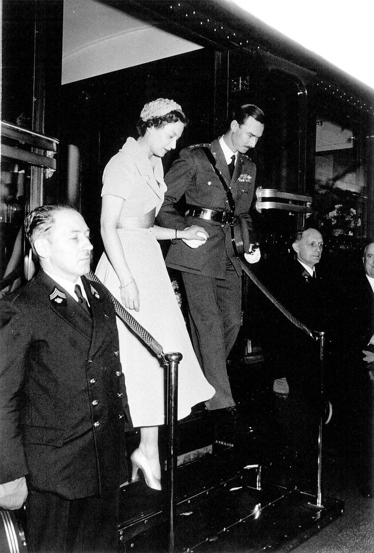 Mit einem Sonderzug traf die spätere Großherzogin aus Brüssel kommend 1953 in Luxemburg an. Sie wurde am Bahnhof von Prinz Jean empfangen.