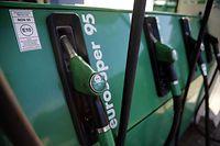 Die neue Benzinsorte E10 wird am 1. Januar an den Zapfsäulen deutlich gekennzeichnet sein.