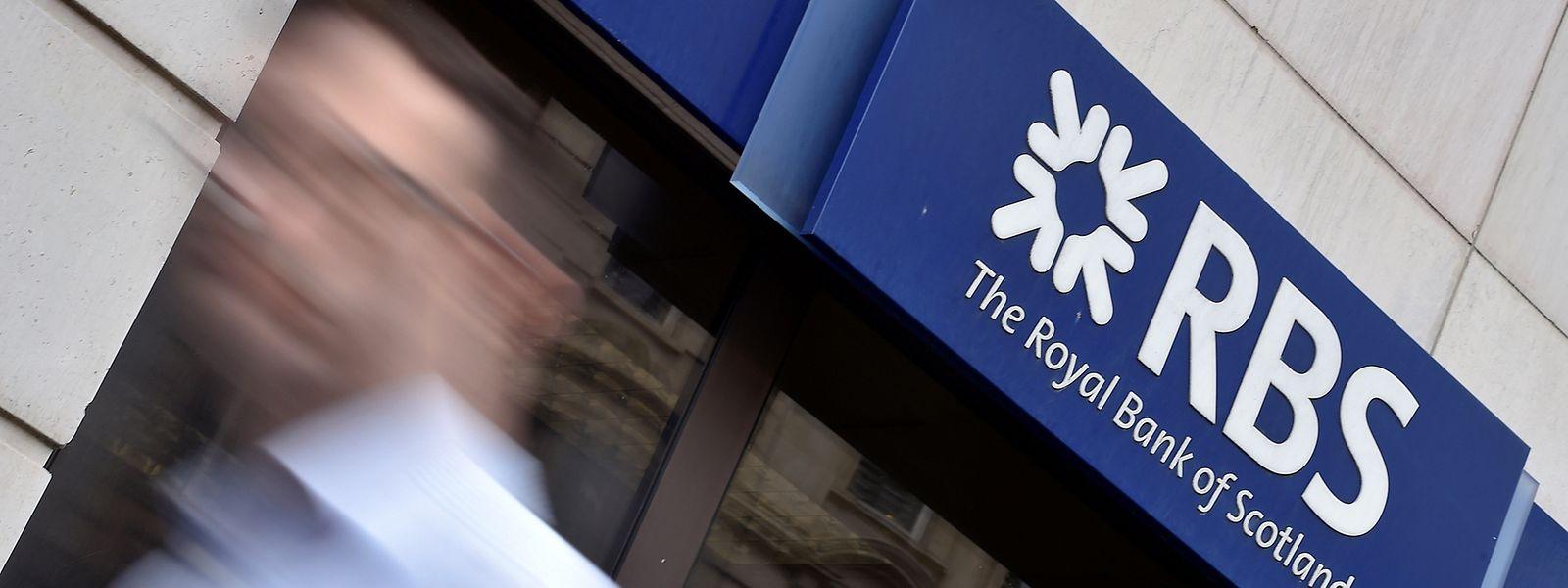 Die RBS sei durchgefallen und muss jetzt bei ihren Kapitalplänen nachbessern, teilte die britische Notenbank (BoE) am Mittwoch in London mit.