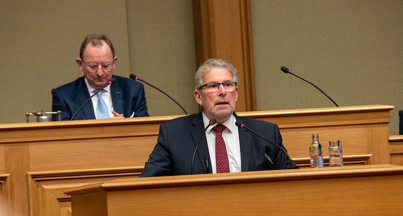 IPO , Chamber , Covid Gesetz , Pres Rapport Mars di Bartolomeo , Demo und Covid Check , Foto:Guy Jallay/Luxemburger Wort