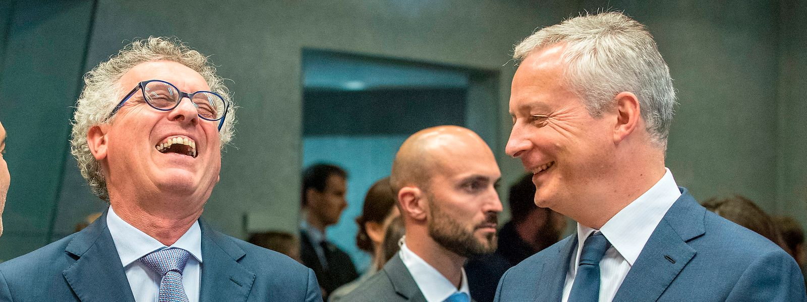Signataires de la convention fiscale mise en cause, les ministres des Finances luxembourgeois et français n'ont encore fait aucun commentaire officiel sur la colère des contribuables frontaliers.