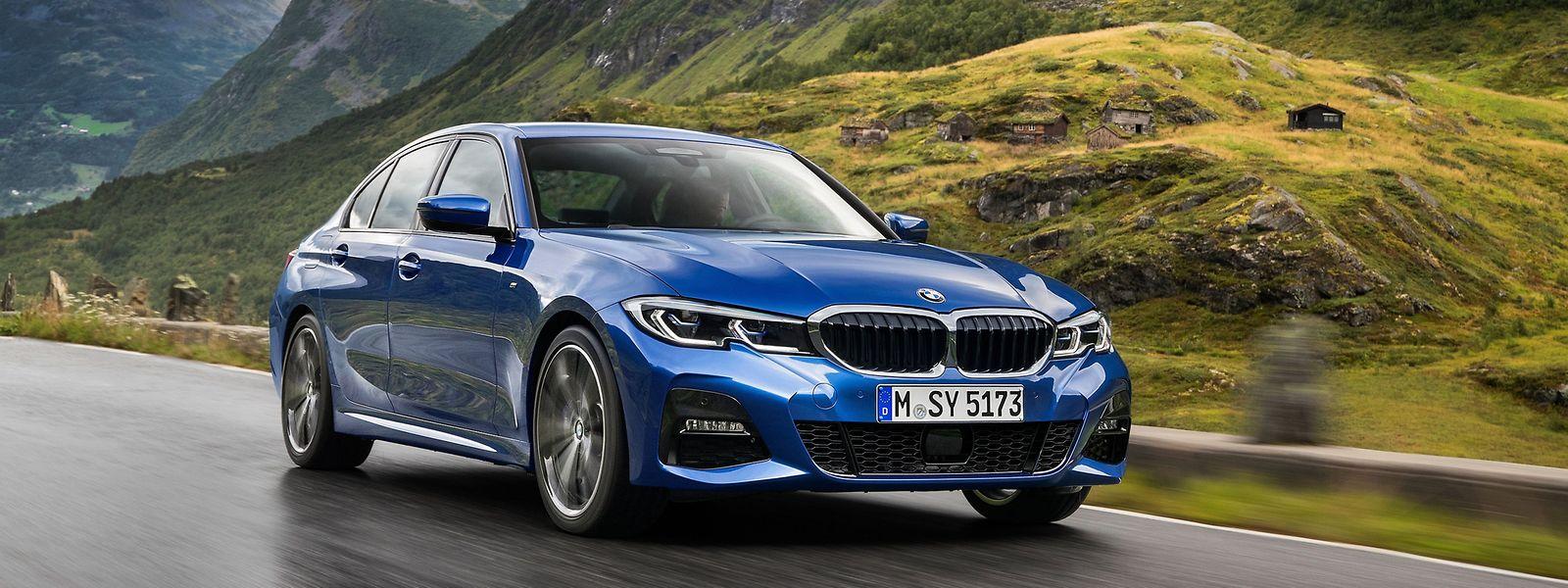 Designer und Ingenieure haben beim neuen BMW 3er an einem Strang gezogen: Die siebte Modellgeneration sieht nicht nur sportlicher aus, sondern fährt sich auch ebenso.