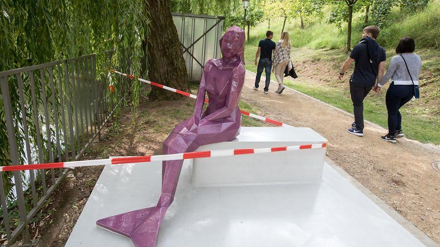 Cette statue fait référence à une légende bien connue au Luxembourg.
