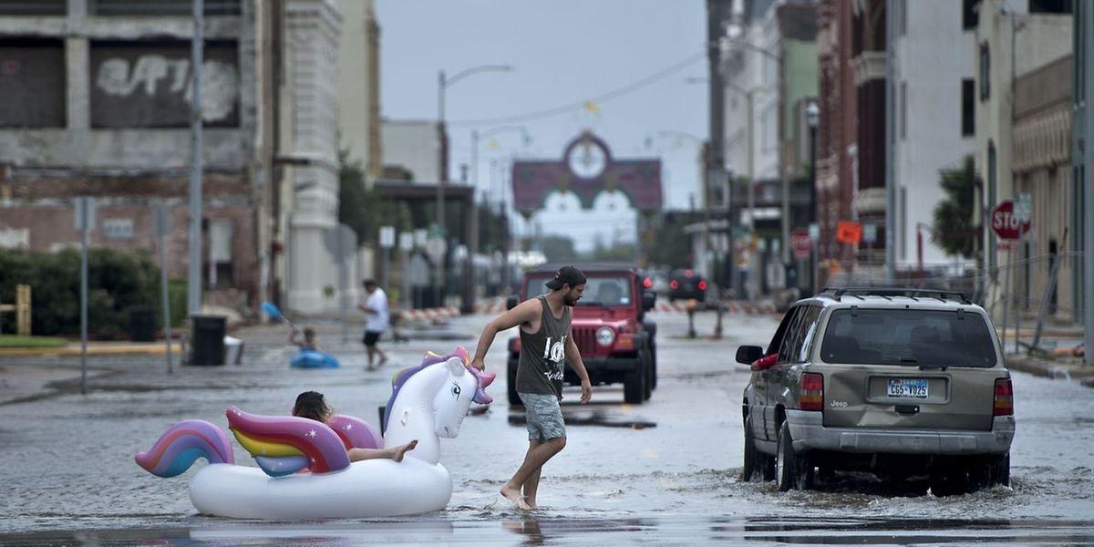 In Texas fürchten sich die Bewohner nun vor starkem Regen und Überschwemmungen.