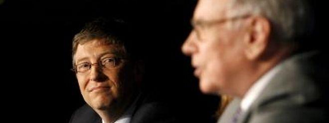 Bill Gates und Warren Buffett (r.) sammeln bei jenen, die wirklich das große Geld besitzen.