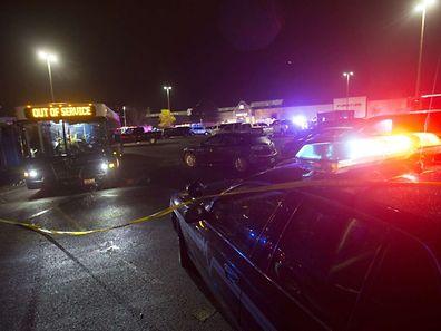 """Le FBI, la police fédérale, a fait savoir qu'il n'y avait à ce stade aucun indice d'""""acte terroriste""""."""
