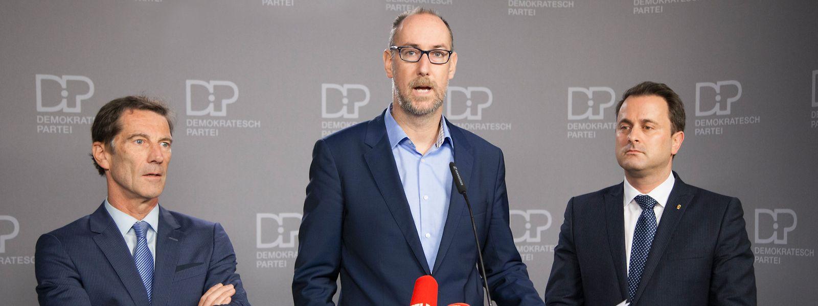 Gilles Baum (Mitte) ersetzt Eugène Berger (links) an der Spitze der DP-Fraktion. Auch Premier Xavier Bettel hatte diesen Posten einst inne.