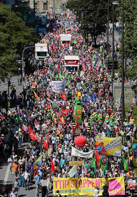 35.000 Teilnehmer zählten die Organisatoren, die Polizei hielt sich mit Schätzungen zurück.