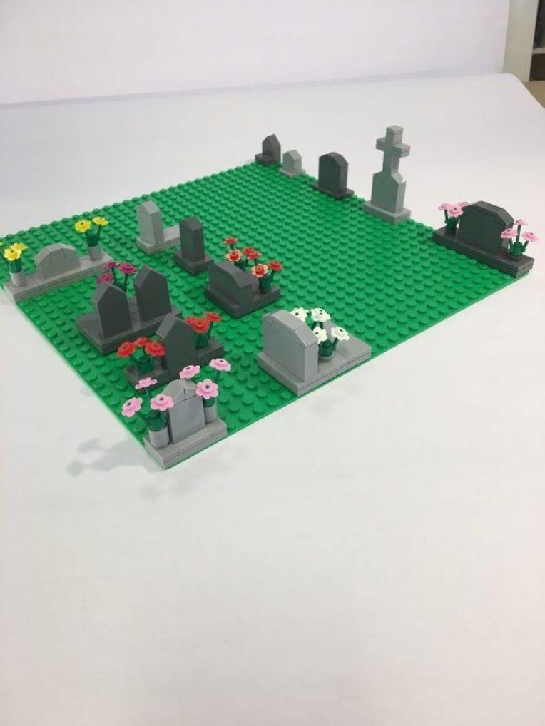 """Zu dem Lego-Friedhof gibt es auch das passende """"Friedhofs-Erweiterungsset""""."""