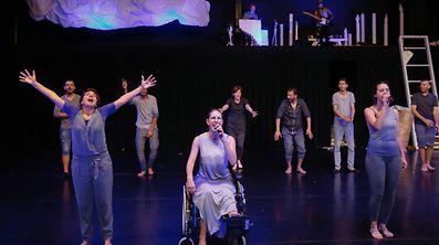 """Nach dem großen Publikumserfolg im vergangenen Jahr bringt das Künstlerkollektiv Maskénada das Theaterstück """"Letters from Luxembourg"""" wieder auf die Bühne."""