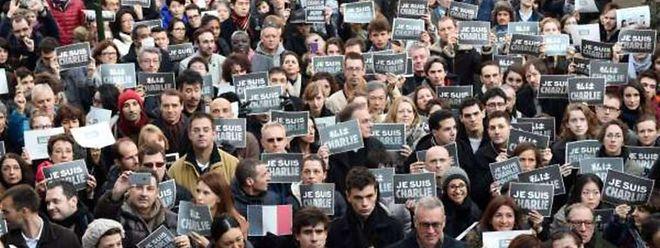 Paris doit se muer dimanche en capitale du monde contre le terrorisme en accueillant une immense et très internationale manifestation d'hommage aux victimes des 17 personnes tuées cette semaine par trois jihadistes français.