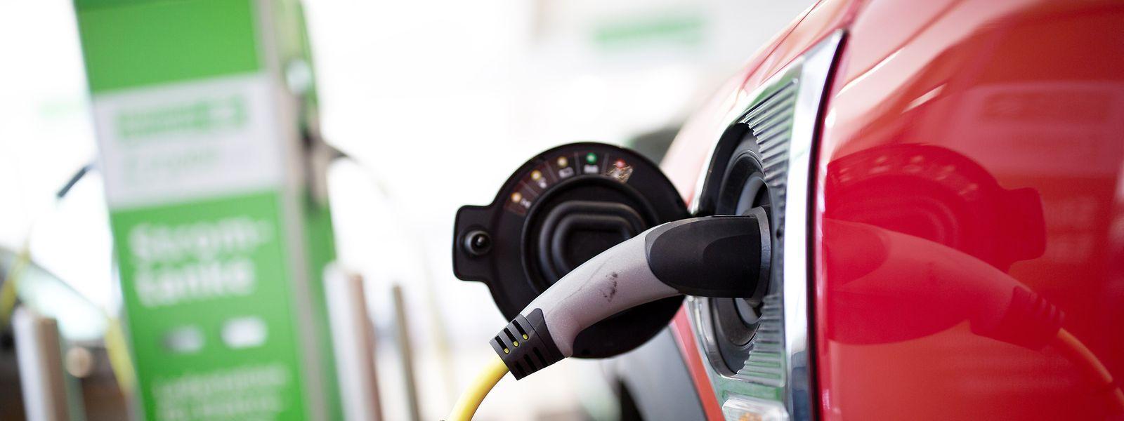 Der Mouvéco fordert, dass die staatlichen Subventionen von E-Autos am Verbrauch festgemacht werden.