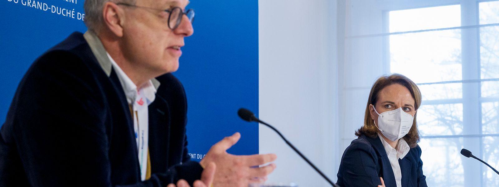 Familienministerin Corinne Cahen (r.) und Jean-Claude Schmit, Direktor der Santé, ziehen Bilanz.