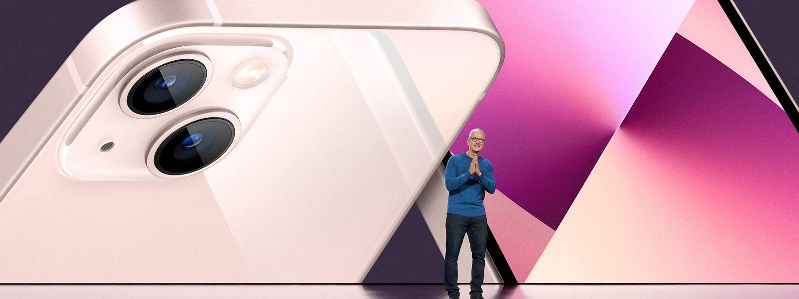 Apple-Boss Tim Cook bei der Vorstellung des neuen iPhone 13.