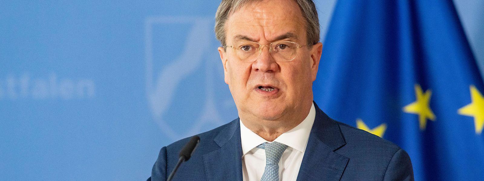 Nordrhein-Westfalens Ministerpräsident und CDU-Kanzlerkandidat Armin Laschet versucht, die Hochwasser-Katastrophe zu nutzen, um sich als Krisenmanager zu profilieren.