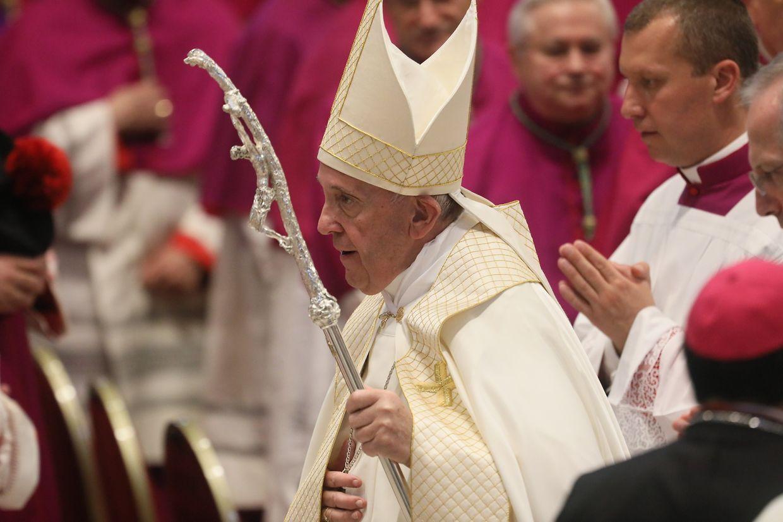Jean-Claude Hollerich wurde am Samstag im Petersdom mit zwölf anderen Bischöfen zum Kardinal erhoben