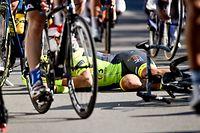 Justin Jules (F/Wallonie) stürzte schwer im Ziel - 1. Etappe - Luxemburg/Hautcharage - Skoda Tour de Luxembourg 2019 - Foto: Serge Waldbillig
