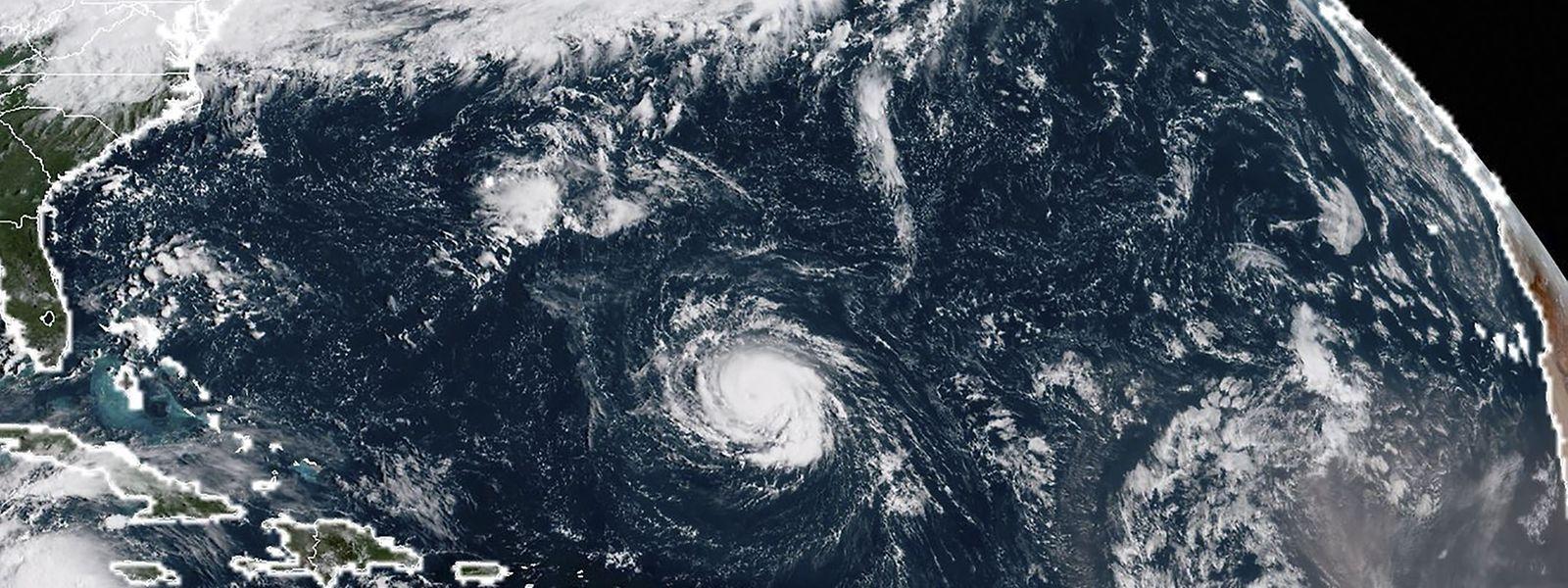 Ein Satellitenbild zeigt Florence über dem Nordatlantik.