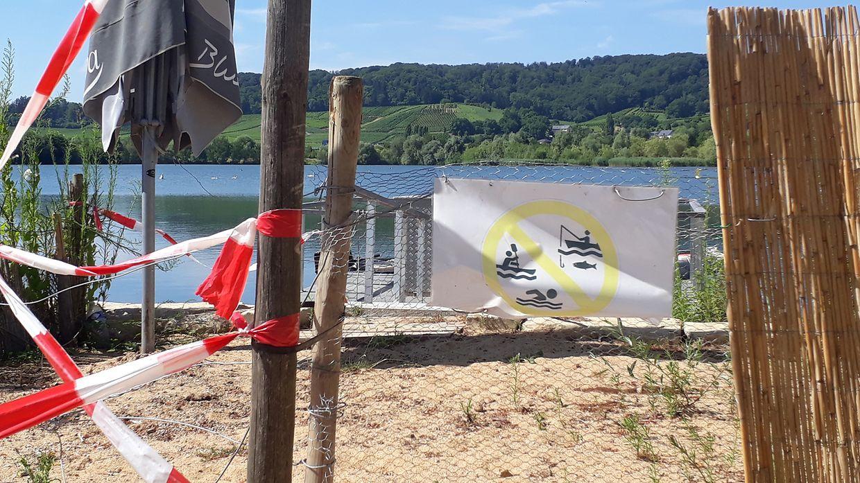 No lago de Remerschen, junto ao acesso à pequena doca onde está o barco da equipa de socorro da comuna de Schengen é proibido nadar, pescar e praticar desportos náuticos. O mesmo não se pode dizer do resto do lago.