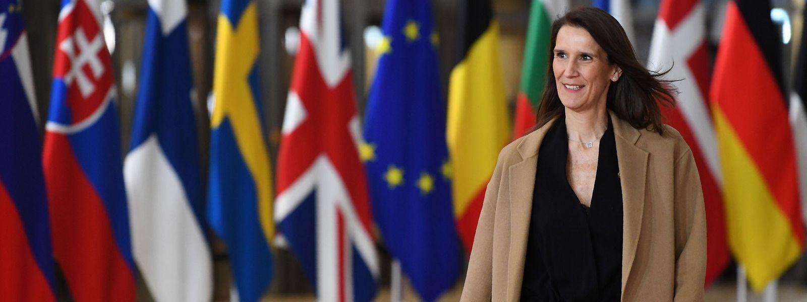 Un an après la démission du gouvernement Michel II, la Première ministre belge, Sophie Wilmes, dirige un État toujours profondément divisé.