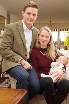 Erzherzogin Gabriella lebt noch bei ihren Eltern in Genf - natürlich mit Tochter Victoria. Vater Henri studiert derzeit in seinem Geburtsland Dänemark.