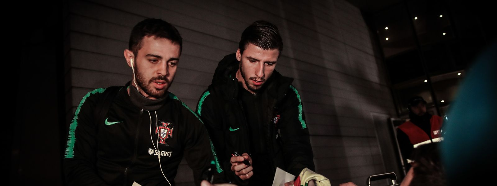 Portugal's Bernardo Silva (L) and Ruben Dias (R) arrive to a hotel in downtown Luxembourg, Luxembourg, 15 November 2019. Portugal will face Luxembourg in a UEFA Euro 2020 Qualifying round - Group B match on November 17. MARIO CRUZ/LUSA