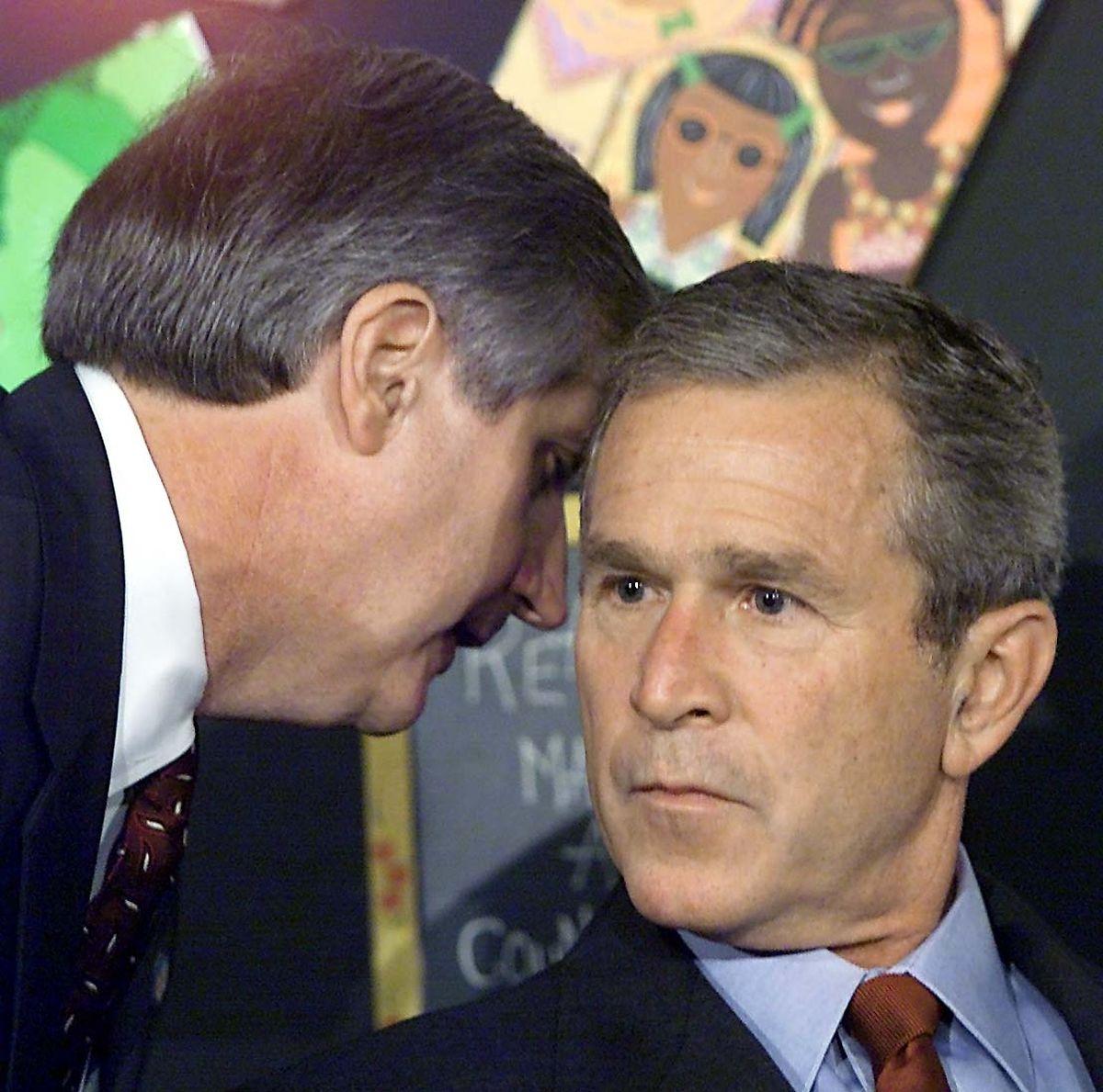 Schockstarre: Lange sieben Minuten weiß George W. Bush nicht auf die Anschläge zu reagieren.