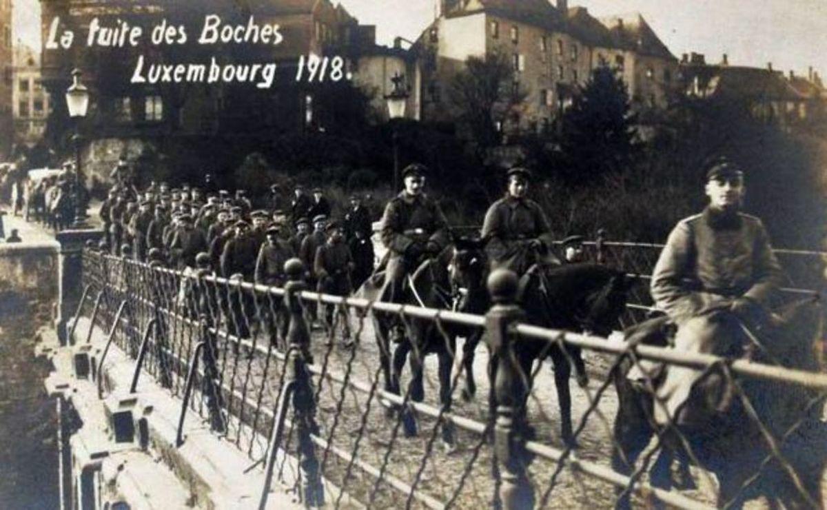Postal de 1918 que mostra a ocupação do Luxemburgo pelas tropas alemãs