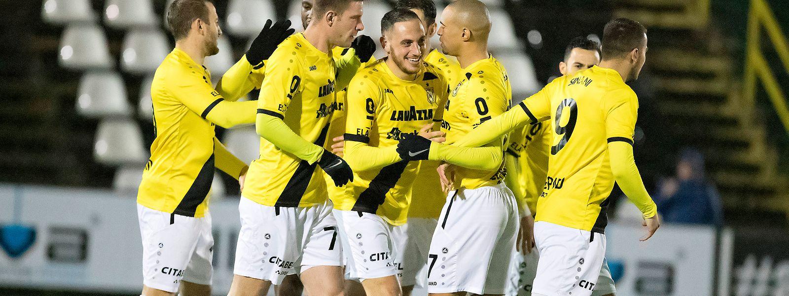 O F91 Dudelange venceu a Jeunesse por 3-0 em Esch-sur-Alzette.